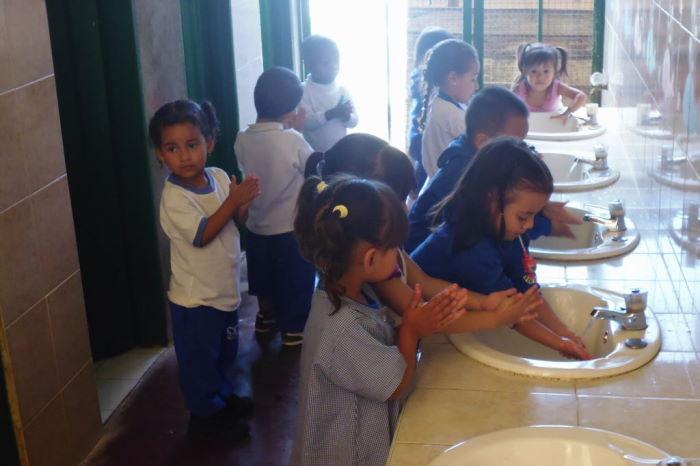 Colombia Medellín La Cruz Semillas de Paz Proyecto