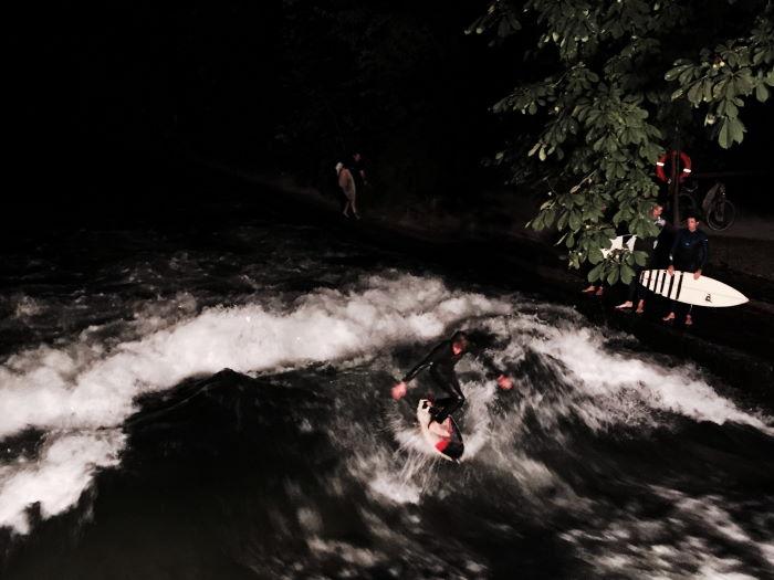 Munich Eisbach Surfing under the nightsky