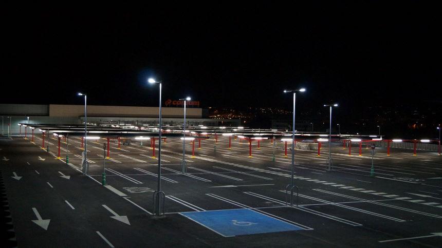 Jávea Xàbia Supermarket Consum at night Photo by Kristian Laban