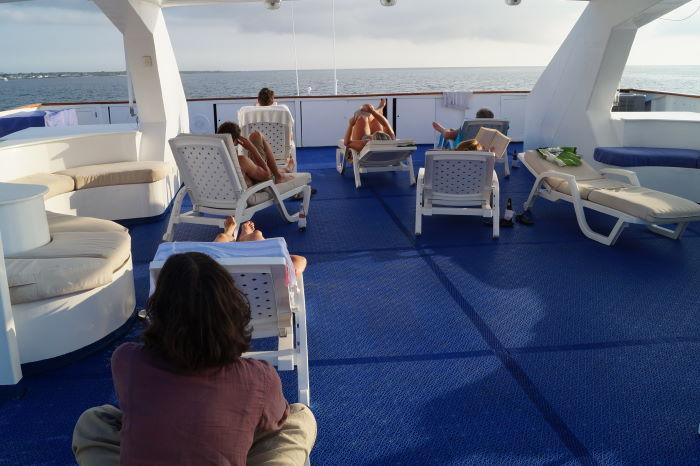 Galápagos Crucero Catamaran Millennium Sun Deck