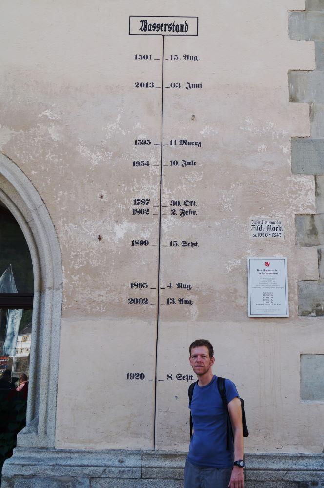 Passau Rathausturm historische Hochwasserstände