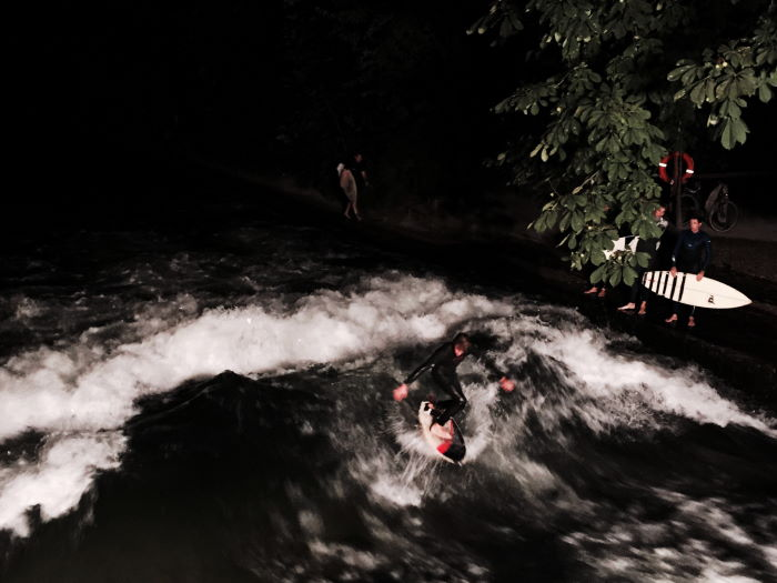 Munich Eisbach Surfing under the nightsky