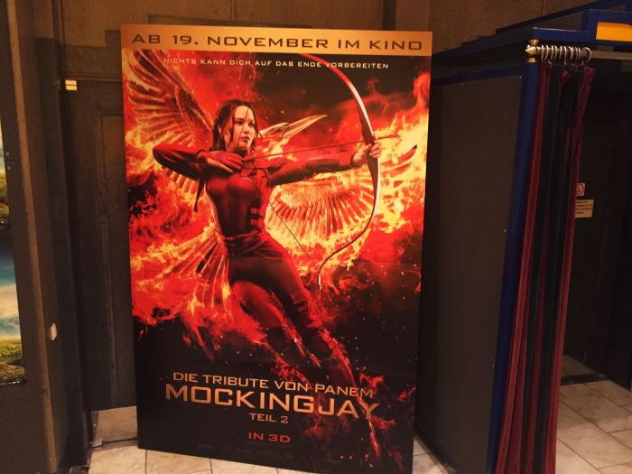 Münchner Freiheit, Filmplakat Mockingjay Kino