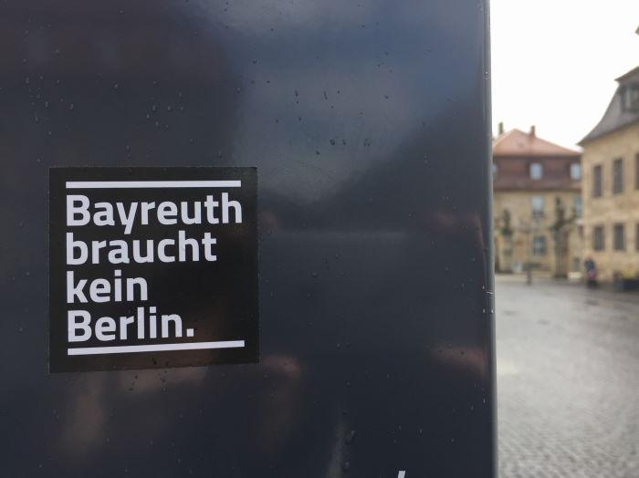 Aufkleber Bayreuth braucht kein Berlin